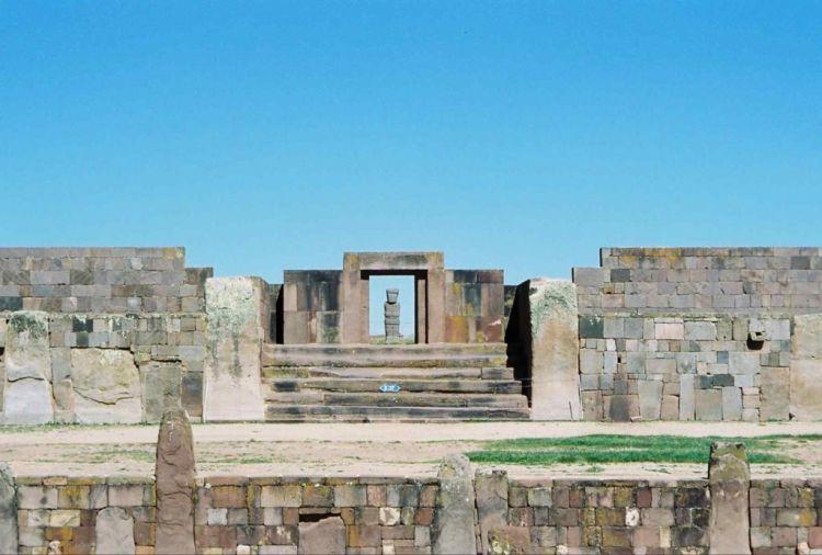 Tiwanaku, Bolivia — Beautiful Lost City